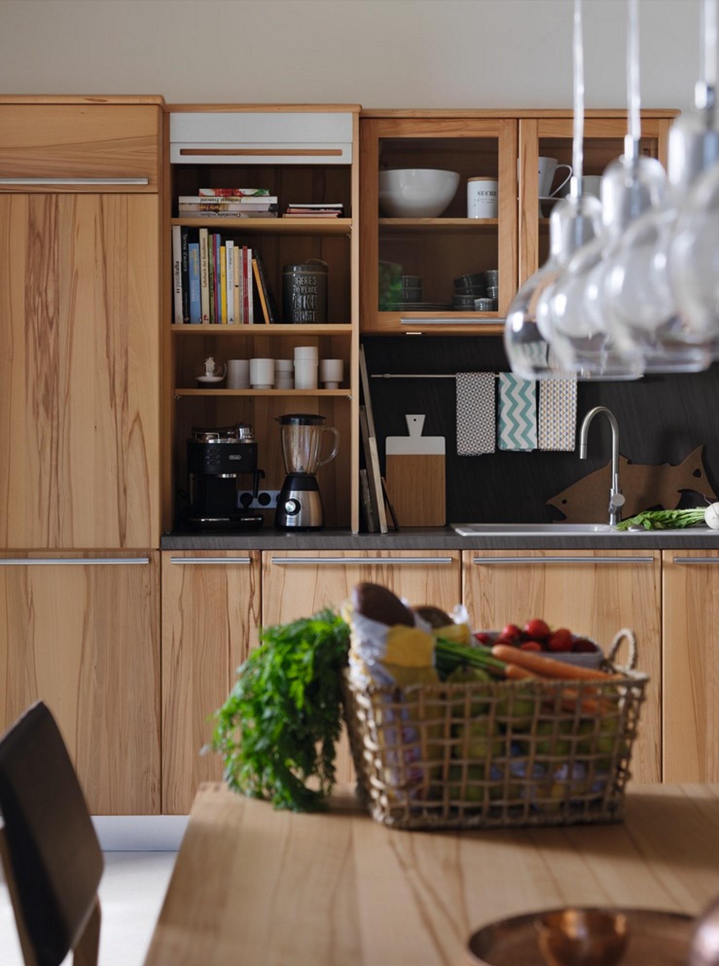 Full Size of Aufsatzschrank Küche Fliesen Für Landküche Rolladenschrank Keramik Waschbecken Handtuchhalter Bodenbelag Granitplatten Kaufen Ikea Beistellregal Wohnzimmer Aufsatzschrank Küche