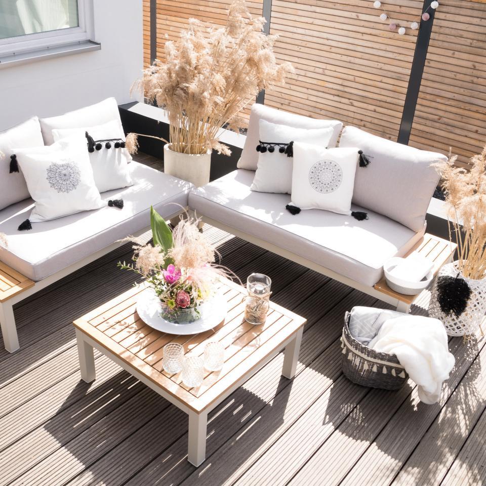 Full Size of Garten Lounge Set Malibu 1 Tisch Holzbank Sitzbank Liegestuhl Loungemöbel Holz Sonnensegel Servierwagen Spielhaus Kunststoff Schaukel Für Pavillion Kleines Wohnzimmer Garten Lounge Set Klein
