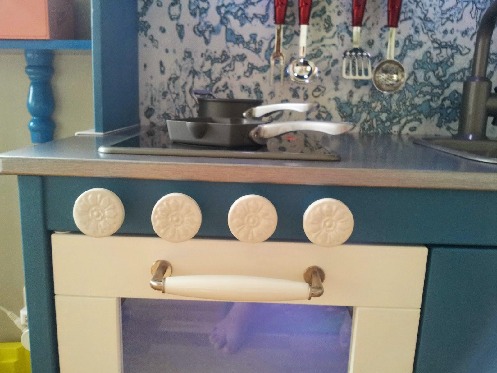 Full Size of Klebefolie Trianglig Fuer Ikea Duktig Kueche Farbe Mint Modulküche Holz Küche Mit Tresen Was Kostet Eine Neue Wanddeko Landhausküche Weiß Scheibengardinen Wohnzimmer Ikea Küche Mint
