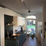 Küche Zweifarbig Moderne Kche Kleiner Tisch Wandtattoo Landhausstil Landhaus Tresen Mobile Was Kostet Eine Neue U Form Lampen Sideboard Mit Arbeitsplatte Wohnzimmer Küche Zweifarbig