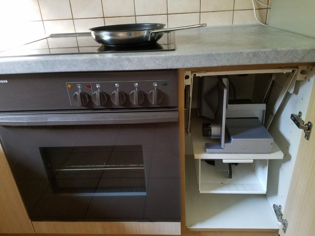 Full Size of Küche Zu Verschenken Einbauküche Ohne Kühlschrank Barhocker Büroküche Oberschränke Industrie Ausstellungsstück Selbst Zusammenstellen Kleiner Tisch Wohnzimmer Küche Zu Verschenken