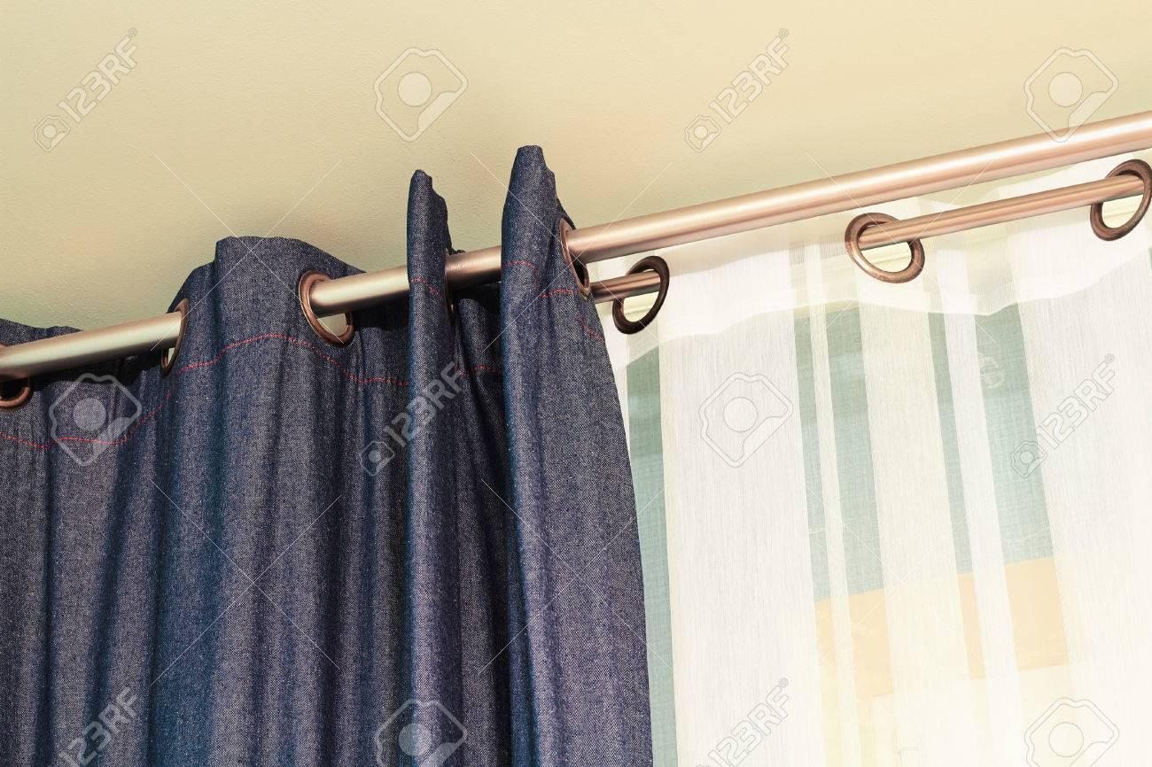 Full Size of Und Weie Vorhnge Mit Ring Top Schiene Lizenzfreie Fotos Schlafzimmer Vorhänge Küche Wohnzimmer Wohnzimmer Vorhänge Schiene