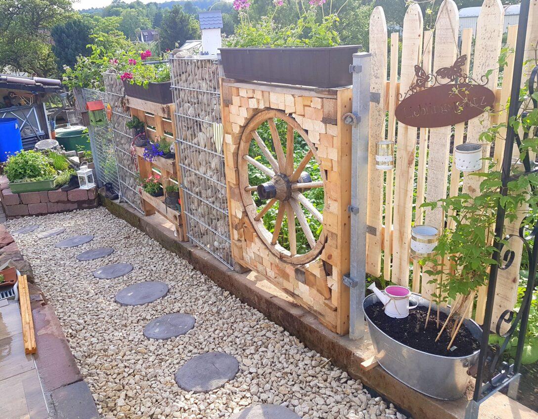 Large Size of Zaun Paletten Diy Garten Sichtschutz Holz Palette Steine Bett Aus Kaufen Regal 140x200 Regale Europaletten Wohnzimmer Zaun Paletten
