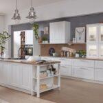 Landhausküche Einrichten Wohnzimmer Kchen Im Landhausstil Einrichten Interliving Weisse Landhausküche Weiß Küche Badezimmer Moderne Gebraucht Kleine Grau