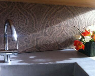 Abwaschbare Tapete Küche Wohnzimmer Abwaschbare Tapete Küche Kchenrckwand Alternative Zur Fliese Farbefreudeleben Landhausküche Grau Hochglanz Arbeitsschuhe Fliesen Für Komplettküche Kaufen