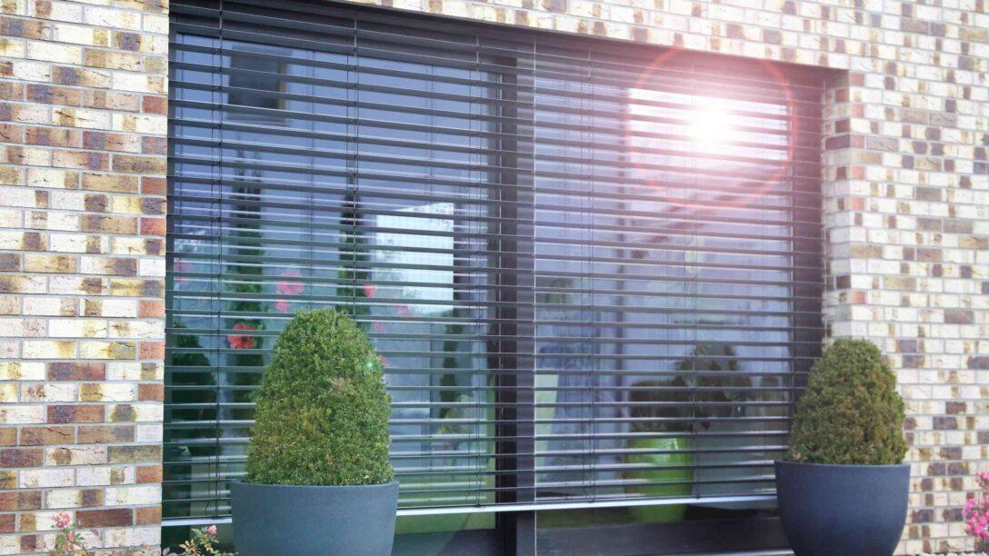 Large Size of Sonnenschutz Fenster Außen Klemmen Auf Maß Rollos Ohne Bohren Velux Kaufen Absturzsicherung Folie Für Roro Einbruchschutz Anthrazit Weru Preise Wohnzimmer Sonnenschutz Fenster Außen Klemmen