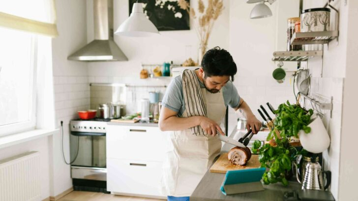 Medium Size of 10 Ikea Hacks Tresen Küche Mit Kochinsel Billig Wandverkleidung Pendeltür Miniküche Elektrogeräten Hängeschrank Glastüren Miele Hängeregal Led Panel Wohnzimmer Küche Selber Bauen Ikea