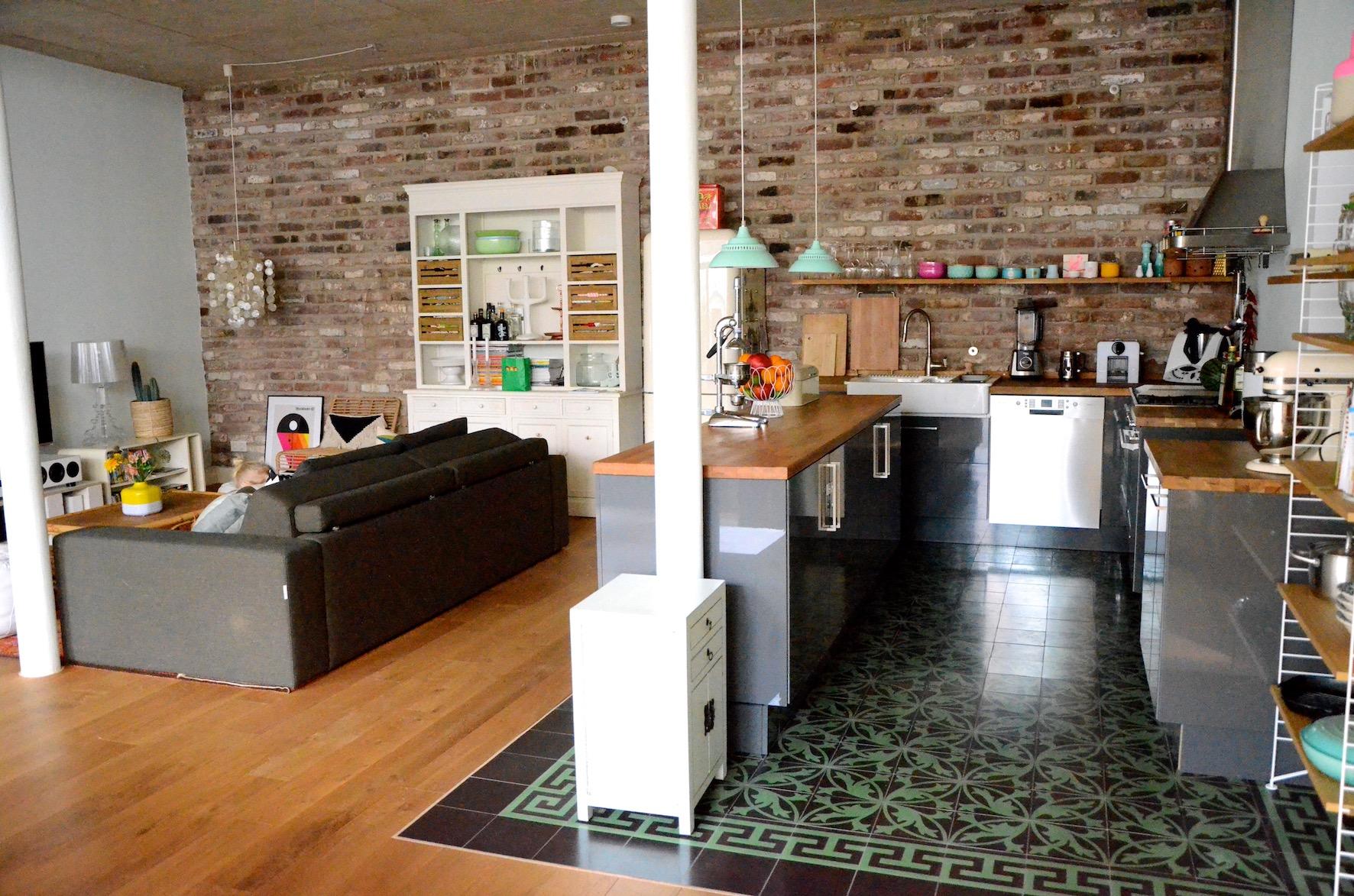 Full Size of Offene Küche Ikea Projekt Loftausbau Wie Man Eine Kche Perfekt Ins Grillplatte Sofa Mit Schlaffunktion Ohne Geräte E Geräten Günstig Komplettküche Wohnzimmer Offene Küche Ikea