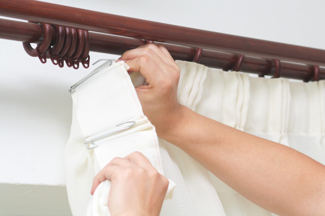Large Size of Modern Vorhänge Gardinen Richtig Aufhngen 5 Klassische Und Moderne Varianten Esstisch Deckenleuchte Schlafzimmer Modernes Bett Design Küche Holz Sofa Wohnzimmer Modern Vorhänge