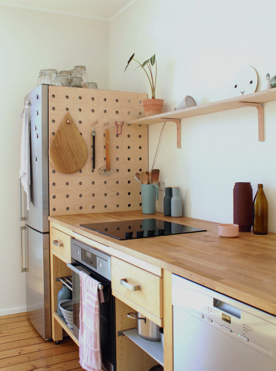 Large Size of Ikea Vrde Stylish Kitchen From Used Components Kche Kosten Betten Bei Modulküche Holz Küche Kaufen 160x200 Sofa Mit Schlaffunktion Miniküche Wohnzimmer Modulküche Ikea Värde