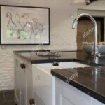 Weisse Landhausküche Eine Weie Landhauskche In Einem Bauernhaus Im Vereinigten Grau Gebraucht Moderne Weiß Weisses Bett Wohnzimmer Weisse Landhausküche