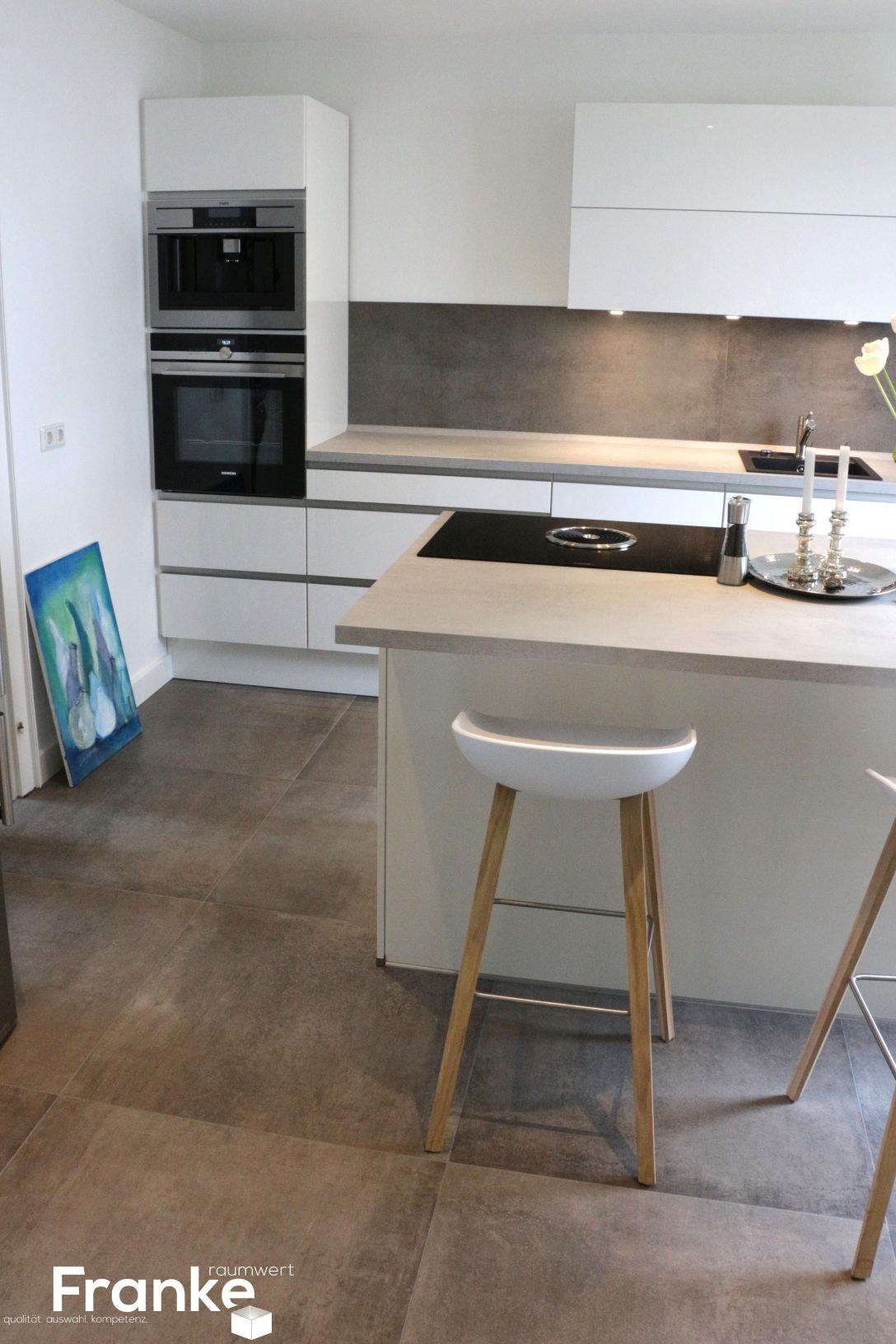Full Size of Nobilia Eckschrank Fliesenspiegel Kche Modern Ikea Folie Fliesen Hochglanz Grau Küche Bad Schlafzimmer Einbauküche Wohnzimmer Nobilia Eckschrank