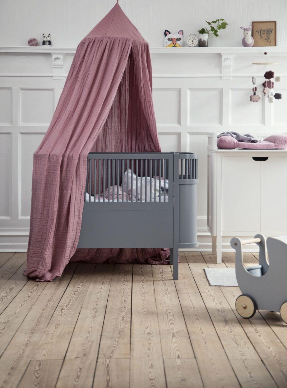 Large Size of Coole Kinderbetten Babybett Im Skandinavischen Design Online Kaufen Kleine Fabriek Betten T Shirt Sprüche T Shirt Wohnzimmer Coole Kinderbetten