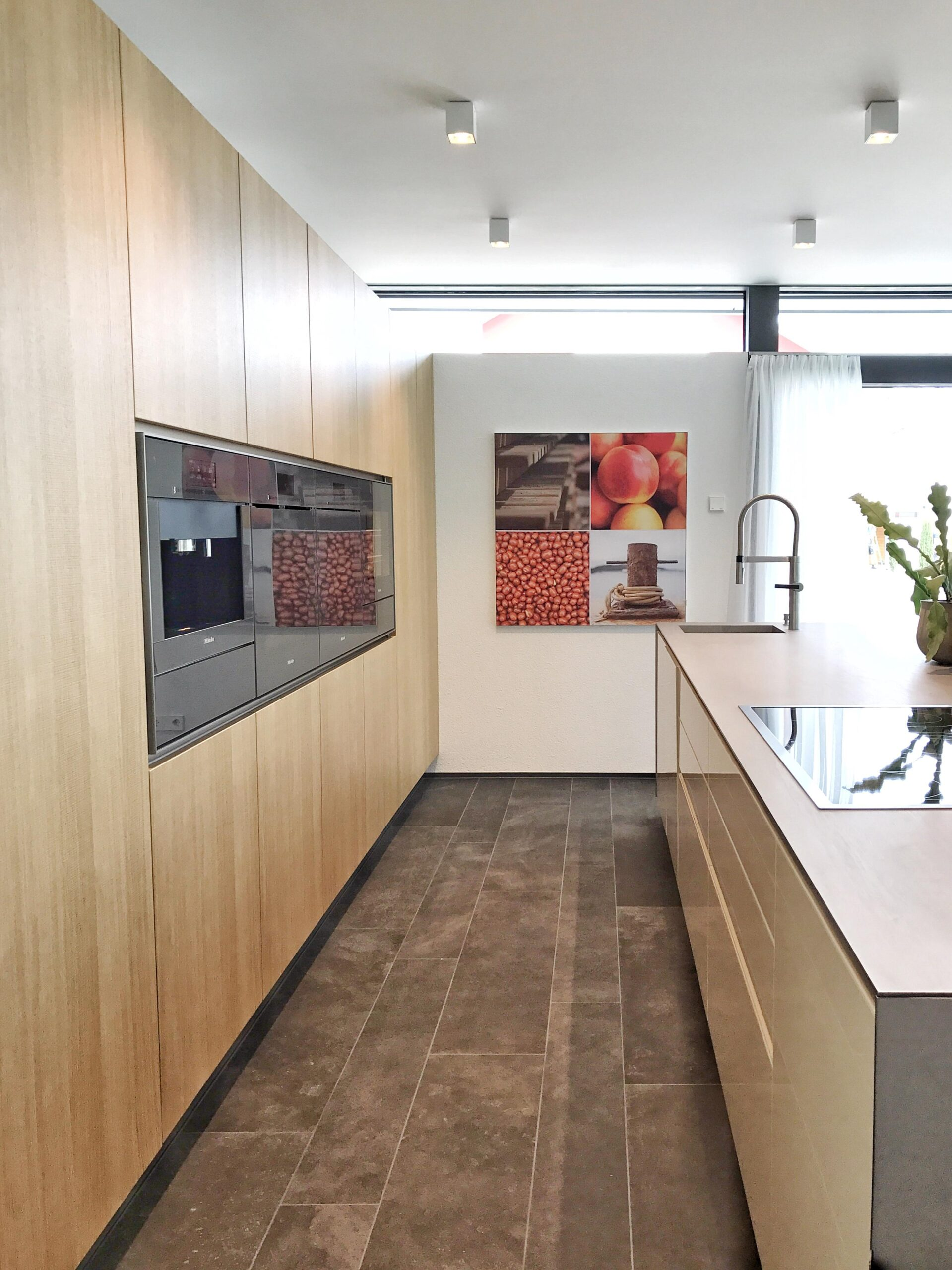 Full Size of Küche Boden Kchenboden Bilder Ideen Couch Essplatz Scheibengardinen Büroküche Mit Tresen Eckbank Vorhänge Ikea Kosten Led Beleuchtung Moderne Wohnzimmer Küche Boden