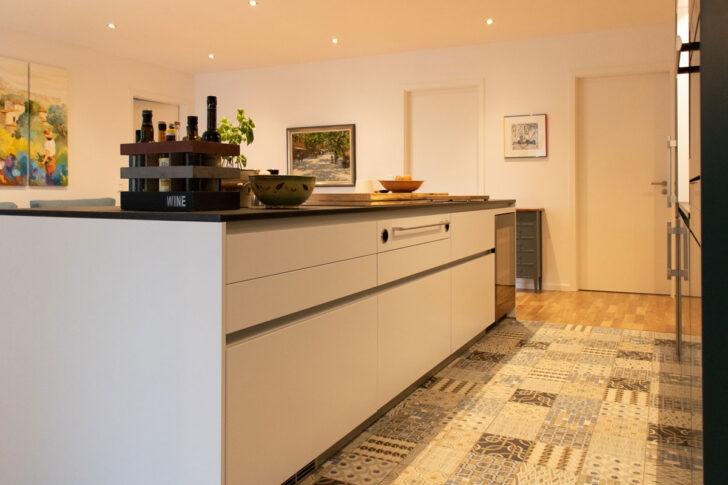 Medium Size of Kochinsel Steckdose Bad L Küche Mit Spiegelschrank Beleuchtung Und Wohnzimmer Kochinsel Steckdose