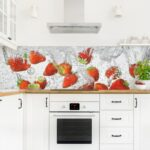 Kchenrckwand Spritzschutz Kche Gehrtetes Glas Wasser Erdbeeren Vinyl Küche Vinylboden Im Bad Verlegen Fürs Wohnzimmer Badezimmer Wohnzimmer Küchenrückwand Vinyl