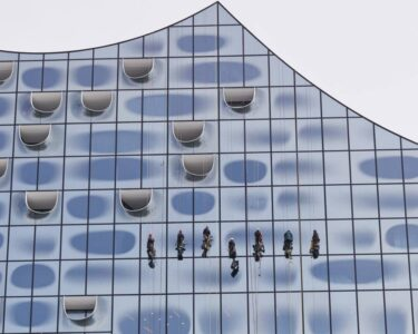 Teleskopstange Fenster Reinigen Wohnzimmer Teleskopstange Fenster Reinigen Elbphilharmonie Einmal Fensterputzen Kostet 52000 Euro Drutex Test Bodentief Dachschräge Auf Maß Polnische Schallschutz