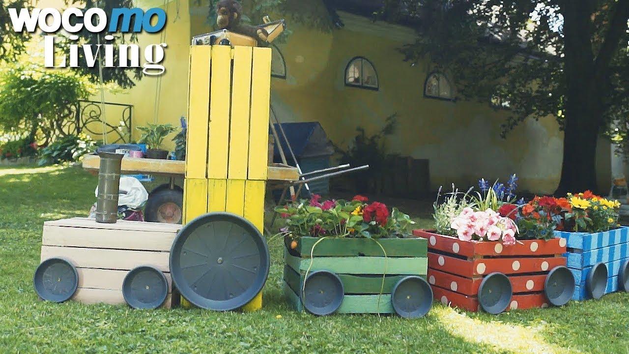 Full Size of Spielküche Garten Im Wasserspa Und Eine Bepflanzte Eisenbahn Youtube Rattan Sofa Truhenbank Pavillon Pool Bauen Schaukel Für Wohnen Abo Wassertank Pergola Wohnzimmer Spielküche Garten