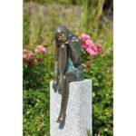 Gartenskulpturen Kaufen Schweiz Gartendeko Bronzefigur Frau Sitzend Velux Fenster Schüco Regal Bett Aus Paletten Amerikanische Küche Betten Günstig 180x200 Wohnzimmer Gartenskulpturen Kaufen Schweiz