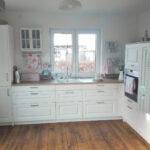 Weisse Landhausküche Wohnzimmer Weisse Landhausküche Weie Kchen Mit Holzarbeitsplatten Wohnkonfetti Moderne Weiß Grau Weisses Bett Gebraucht