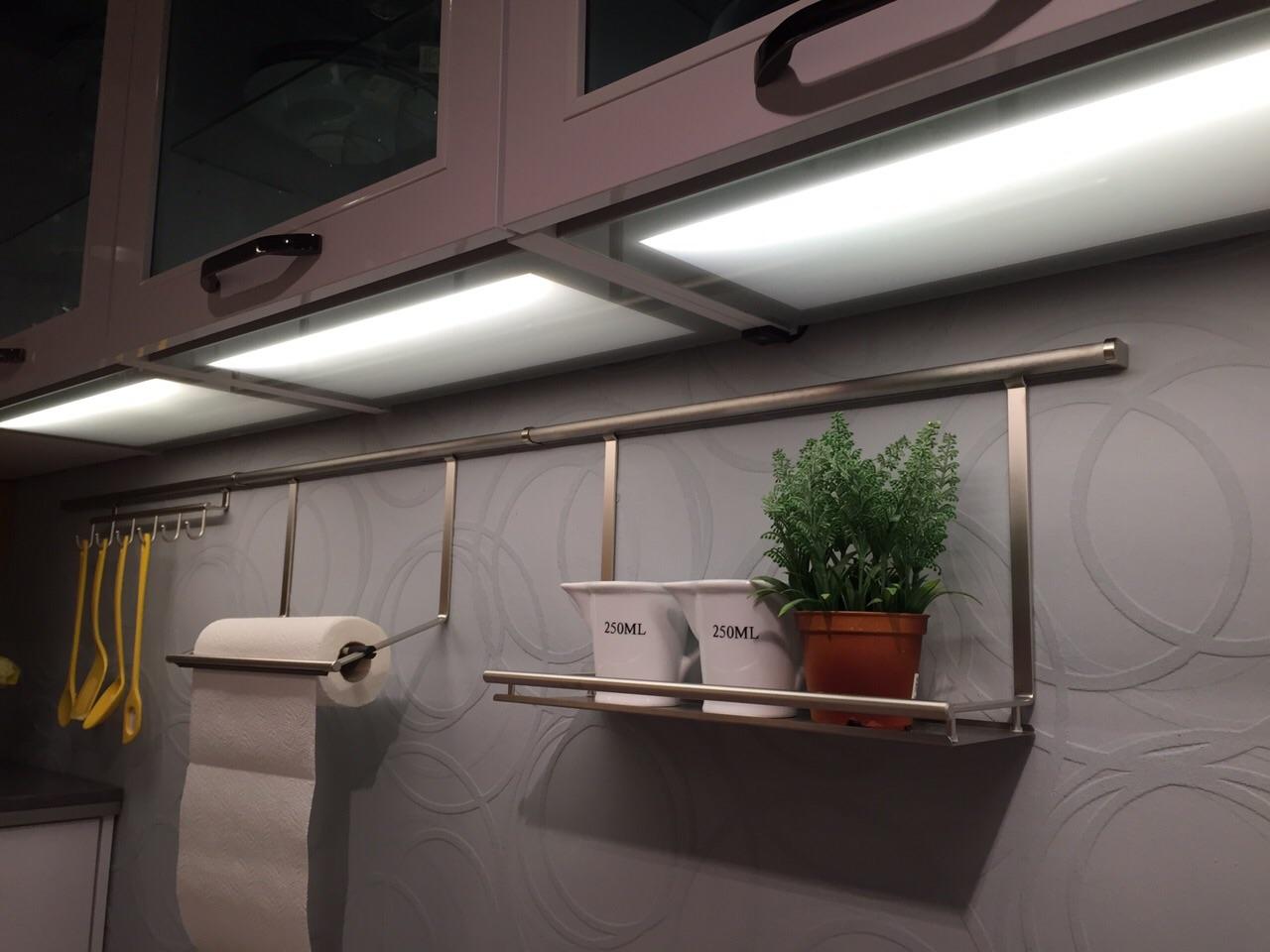 Full Size of Beleuchtung In Der Kche Kcheninfo Kchenbeleuchtung Ideen Fenster 3 Fach Verglasung Glasbilder Küche Glas Esstisch Bad Hängeschrank Weiß Hochglanz Regal Wohnzimmer Küchen Hängeschrank Glas