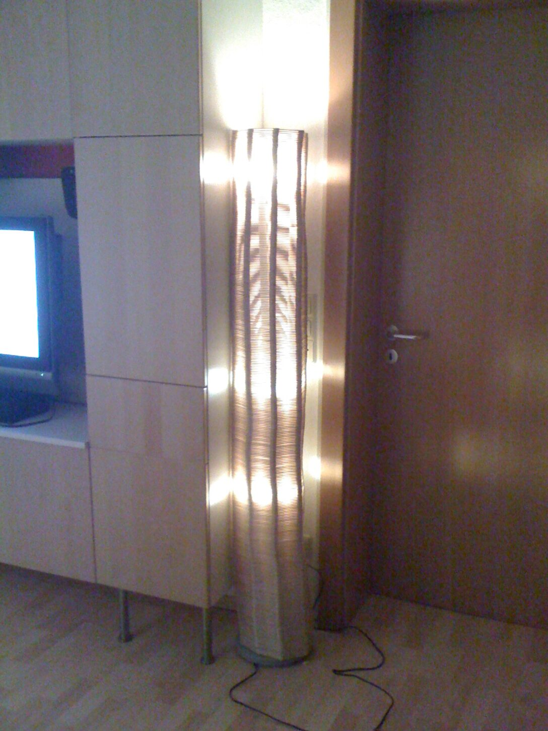 Large Size of Designer Stehlampe Aus Eisstielen Betten Holz Holzhaus Garten Schlafzimmer Komplett Massivholz Holzregal Badezimmer Bad Unterschrank Holzhäuser Esstisch Wohnzimmer Ikea Stehlampe Holz