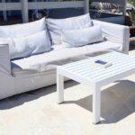 Couch Terrasse Wohnzimmer Terrasse Wohnzimmer Mit Weien Sofa In Einem Sommerferienort