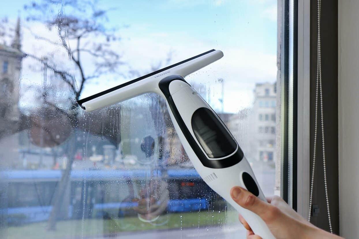 Full Size of Teleskopstange Fenster Reinigen Fenstersauger Im Test 2020 Welcher Ist Der Beste Allesbestede Sicherheitsbeschläge Nachrüsten Meeth Fliegennetz Einbau Dreh Wohnzimmer Teleskopstange Fenster Reinigen