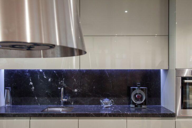 Medium Size of Wandbelag Küche Wanddeko Rustikal Eiche Hell Wasserhahn Einbauküche Ohne Kühlschrank L Mit Elektrogeräten Kleine Modulküche Holz Waschbecken Einrichten Wohnzimmer Aufbewahrungsideen Küche