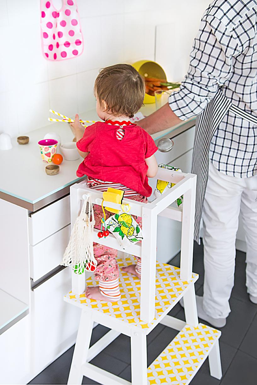 Full Size of Stehhilfe Ikea Lernturm Selber Bauen Hack Aus Zwei Hockern Mit Einfacher Küche Kosten Miniküche Betten Bei Sofa Schlaffunktion Modulküche Kaufen 160x200 Wohnzimmer Stehhilfe Ikea