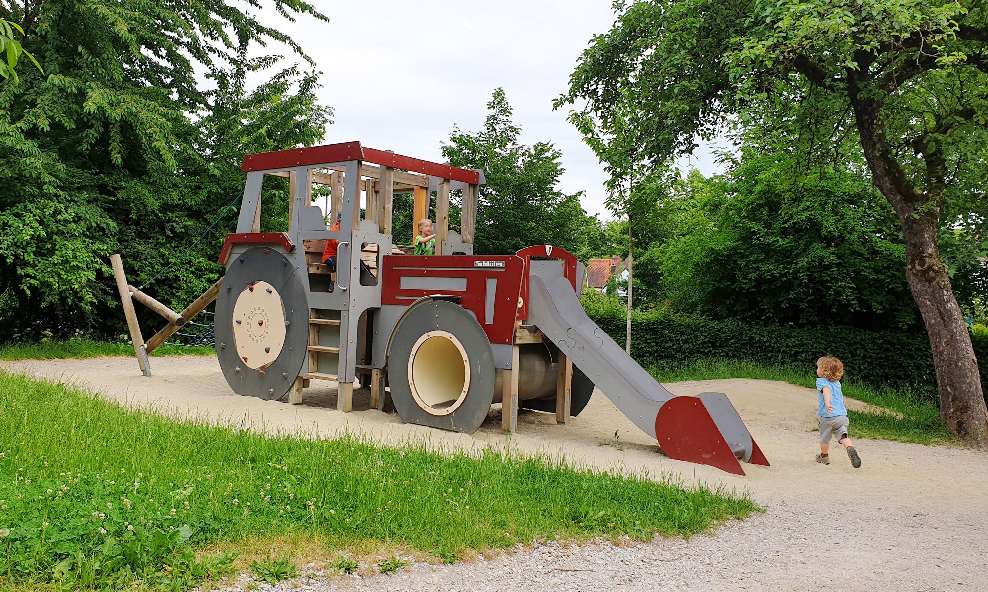Full Size of Klettergerüst Indoor Diy Fr Alle Traktor Fans Ein Muss Der Originelle Kleinkind Garten Wohnzimmer Klettergerüst Indoor Diy