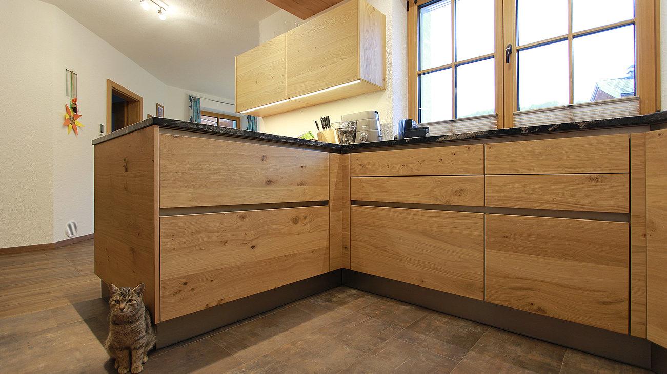 Full Size of Holzkchen Alles Was Sie Ber Wissen Sollten Deckenleuchte Schlafzimmer Modern Küche Holz Bett Design Wohnzimmer Bilder Moderne Esstisch Modernes Sofa Wohnzimmer Massivholzküche Modern