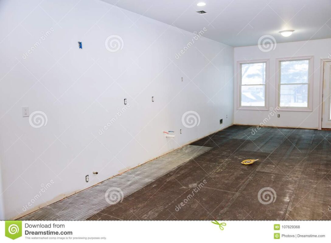 Large Size of Küche Klapptisch Billige Rückwand Glas Griffe Einhebelmischer Läufer Teppich Für Armatur Hängeschrank Höhe Ausstellungsküche Betonoptik Outdoor Kaufen Wohnzimmer Fußbodenfliesen Küche