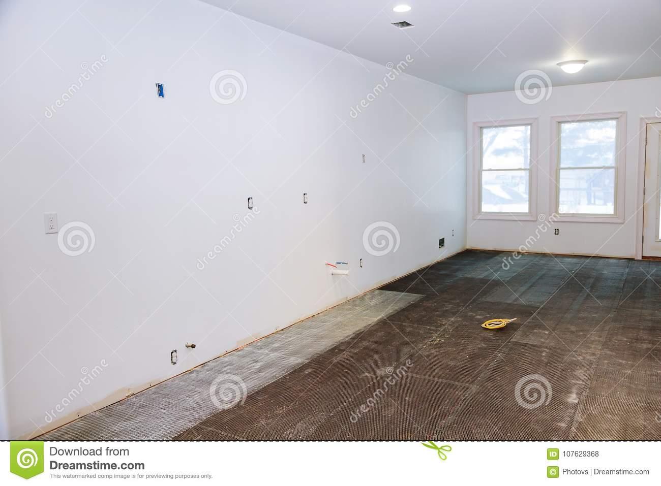Full Size of Küche Klapptisch Billige Rückwand Glas Griffe Einhebelmischer Läufer Teppich Für Armatur Hängeschrank Höhe Ausstellungsküche Betonoptik Outdoor Kaufen Wohnzimmer Fußbodenfliesen Küche
