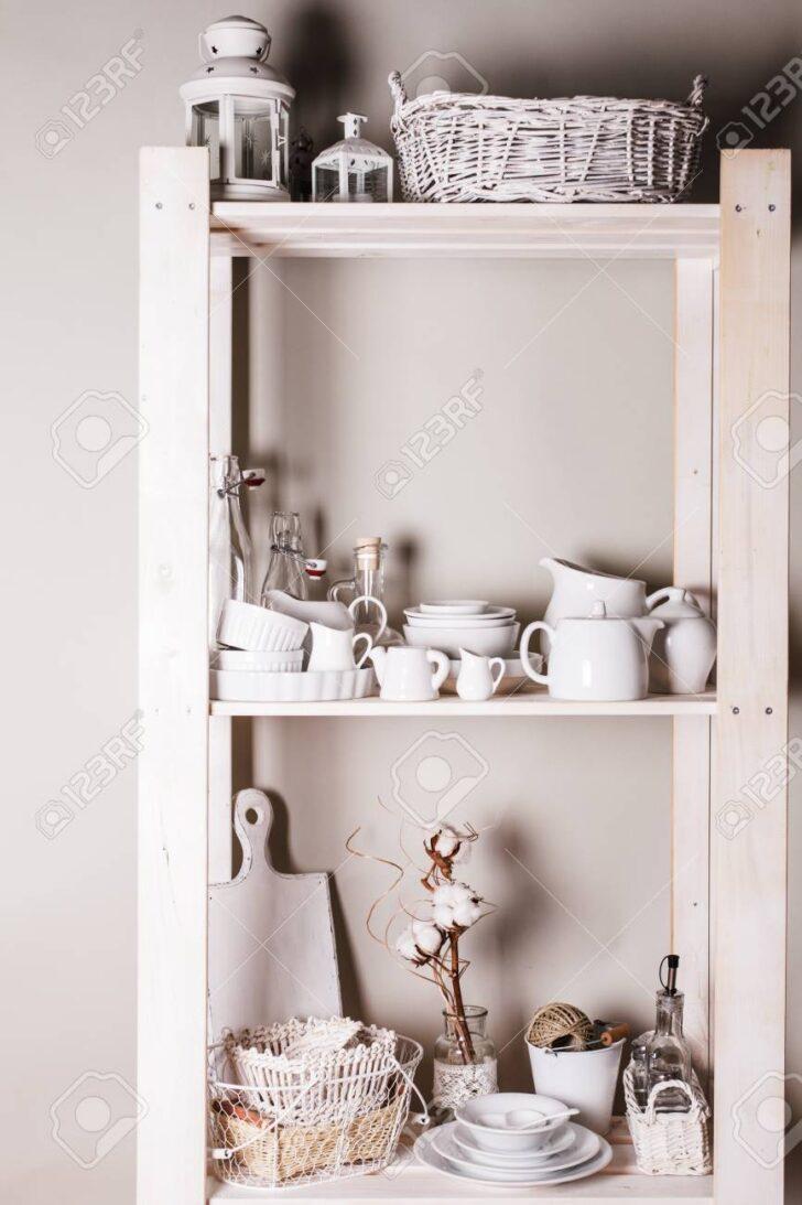 Medium Size of Küche Shabby Schne Haushaltswaren Und Geschirr In Kche Zu Chic Tresen Planen Fliesenspiegel Glas Hochglanz Eiche Selber Machen Auf Raten Bauen Jalousieschrank Wohnzimmer Küche Shabby