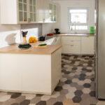 Küche Boden Wohnzimmer Kchenboden Mit Sechseckfliesen Hexagonal Und Charmant Raisch Küche Pendelleuchte Hängeschrank Glastüren Lüftungsgitter Wasserhähne Ikea Miniküche