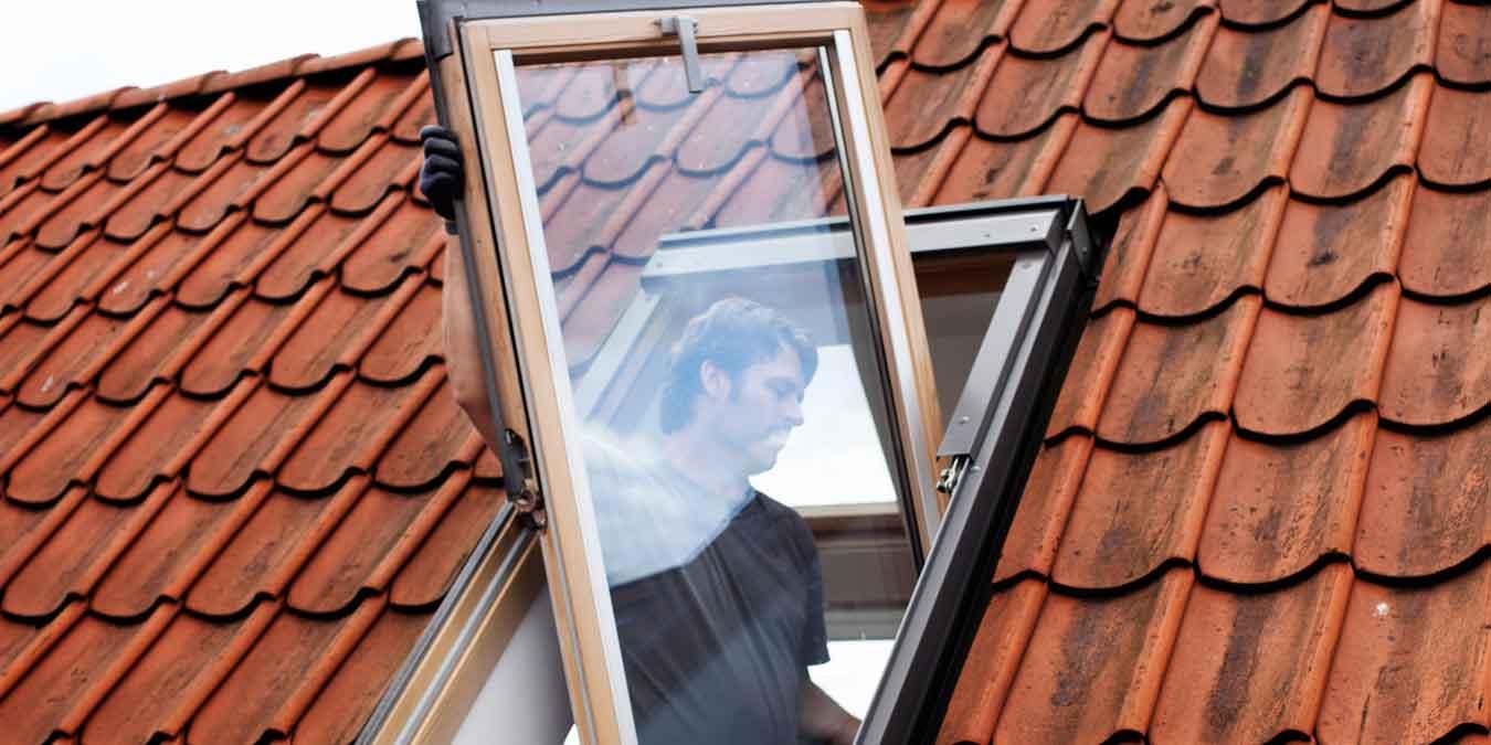 Full Size of Dachfenster Einbauen Austauschen Oder Nachtrglich Bodengleiche Dusche Fenster Kosten Neue Rolladen Nachträglich Velux Wohnzimmer Dachfenster Einbauen