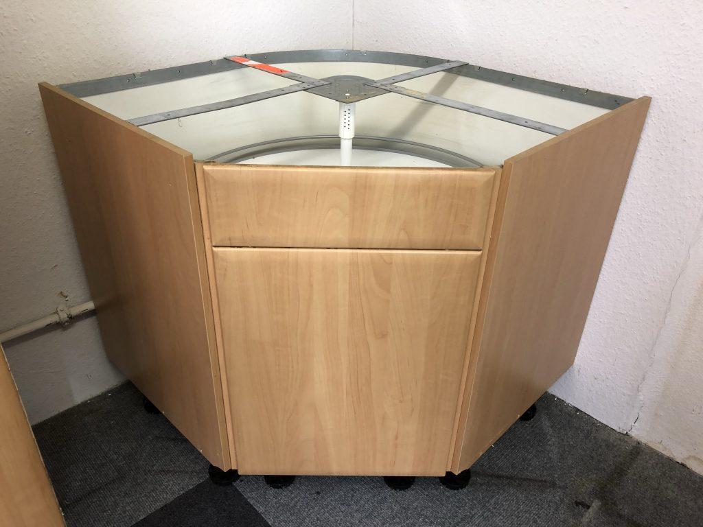 Full Size of Küche Ausstellungsstück Lüftungsgitter Granitplatten Landhausküche Grau Wandfliesen Wandpaneel Glas Arbeitstisch Ebay Modulare U Form Mini Industrielook Wohnzimmer Rondell Küche