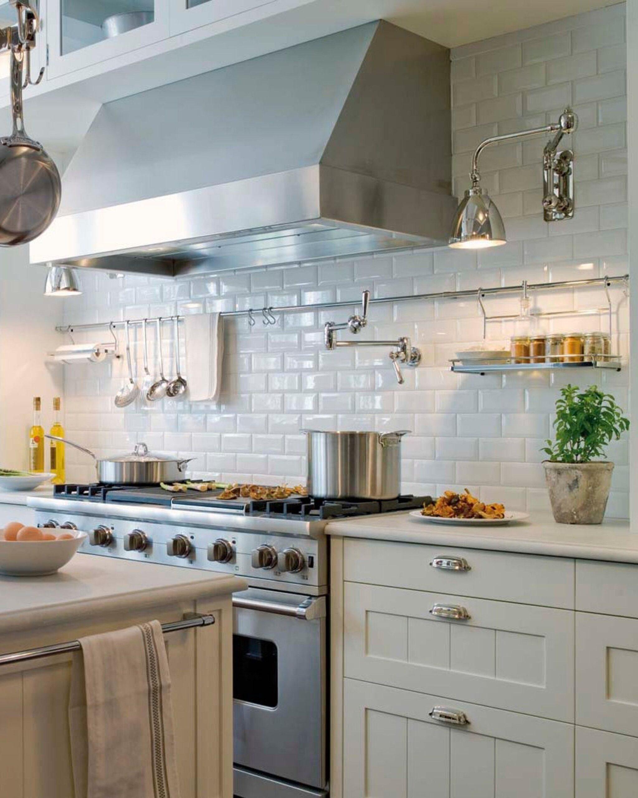 Full Size of Kleine Küche Kaufen Metrofliesen 7 Wasserhahn Einbauküche Gebraucht Mobile Sofa Kleines Wohnzimmer Betten Ausstellungsküche Deckenlampe Was Kostet Eine Wohnzimmer Kleine Küche Kaufen