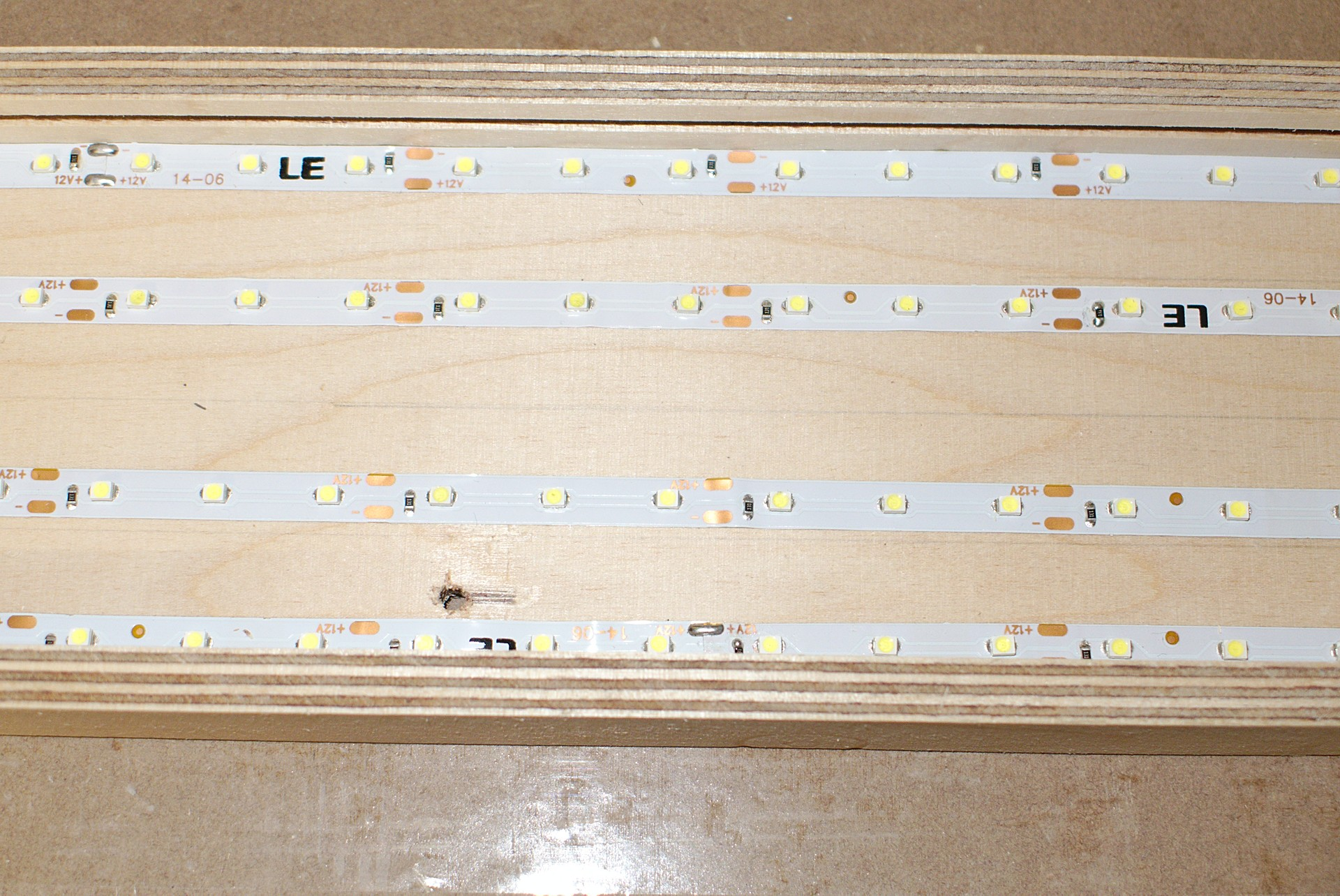 Full Size of Holz Led Lampe Selber Bauen Flchenlampe Aus Und Plexiglas Hobby Holzwrmer Holzregal Badezimmer Fliesen Holzoptik Bad Chesterfield Sofa Leder Holzhaus Kind Wohnzimmer Holz Led Lampe Selber Bauen