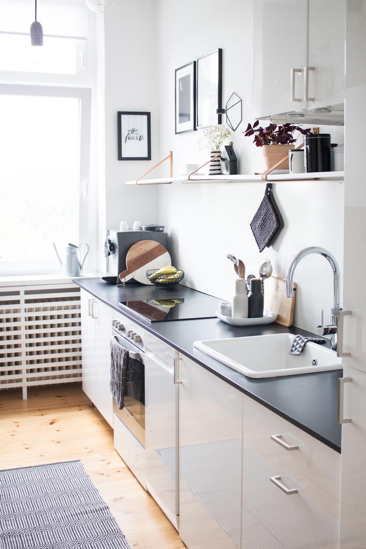 Full Size of Küche Klapptisch Handtuchhalter Teppich Laminat Für Industriedesign Musterküche Mit Tresen Lampen Einbau Mülleimer Was Kostet Eine Neue Unterschränke Wohnzimmer Küche Klapptisch