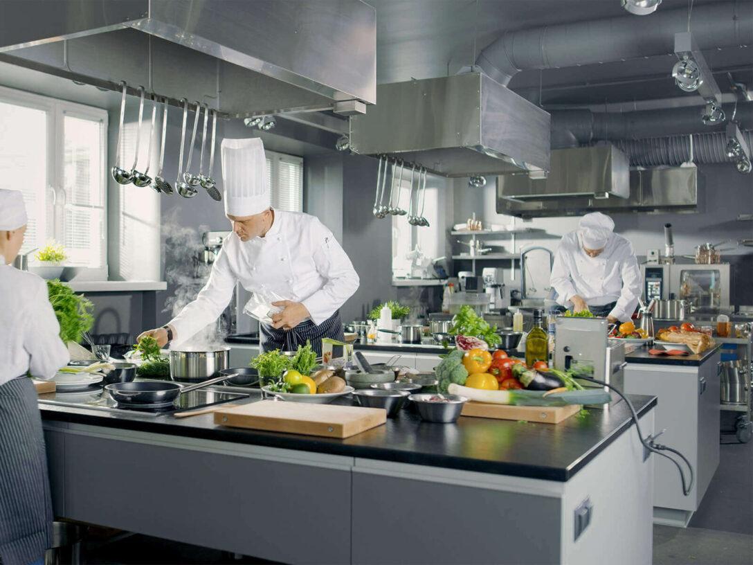 Large Size of Küchenabluft Entlftung In Gastronomie Wohnzimmer Küchenabluft