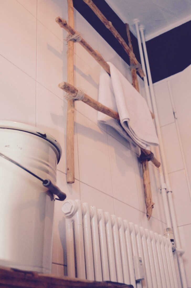 Medium Size of Handtuchhalter Heizung Holz Heizkörper Bad Badezimmer Elektroheizkörper Für Küche Wohnzimmer Wohnzimmer Handtuchhalter Heizkörper