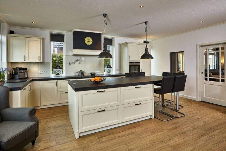Medium Size of Landhausküche Wandfarbe Weisse Moderne Grau Gebraucht Weiß Wohnzimmer Landhausküche Wandfarbe