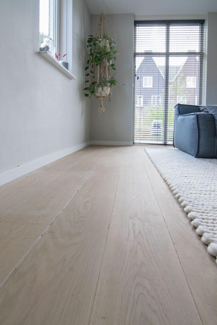 Medium Size of Dieser Weie Holzfuboden Wird In Kombination Mit Modernes Sofa Bodenbeläge Küche Bett Moderne Esstische Deckenleuchte Wohnzimmer Landhausküche 180x200 Bilder Wohnzimmer Moderne Bodenbeläge