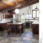 Küchen Rustikal Rustikale Kche Stockfoto Bild Von Schiefer 78081668 Regal Rustikales Bett Rustikaler Esstisch Holz Küche Wohnzimmer Küchen Rustikal