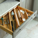 Aufbewahrung Küchenutensilien Sie Kennen Das Sicher Auch Im Besteckkasten Ist Kein Platz Fr Aufbewahrungsbehälter Küche Aufbewahrungssystem Aufbewahrungsbox Wohnzimmer Aufbewahrung Küchenutensilien