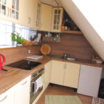 Küche Dachgeschoss Kche Immobilienservice Mieskes Gmbh Kleine Einbauküche Fliesenspiegel Selber Machen Komplette Vollholzküche Eckschrank Lüftungsgitter Wohnzimmer Küche Dachgeschoss
