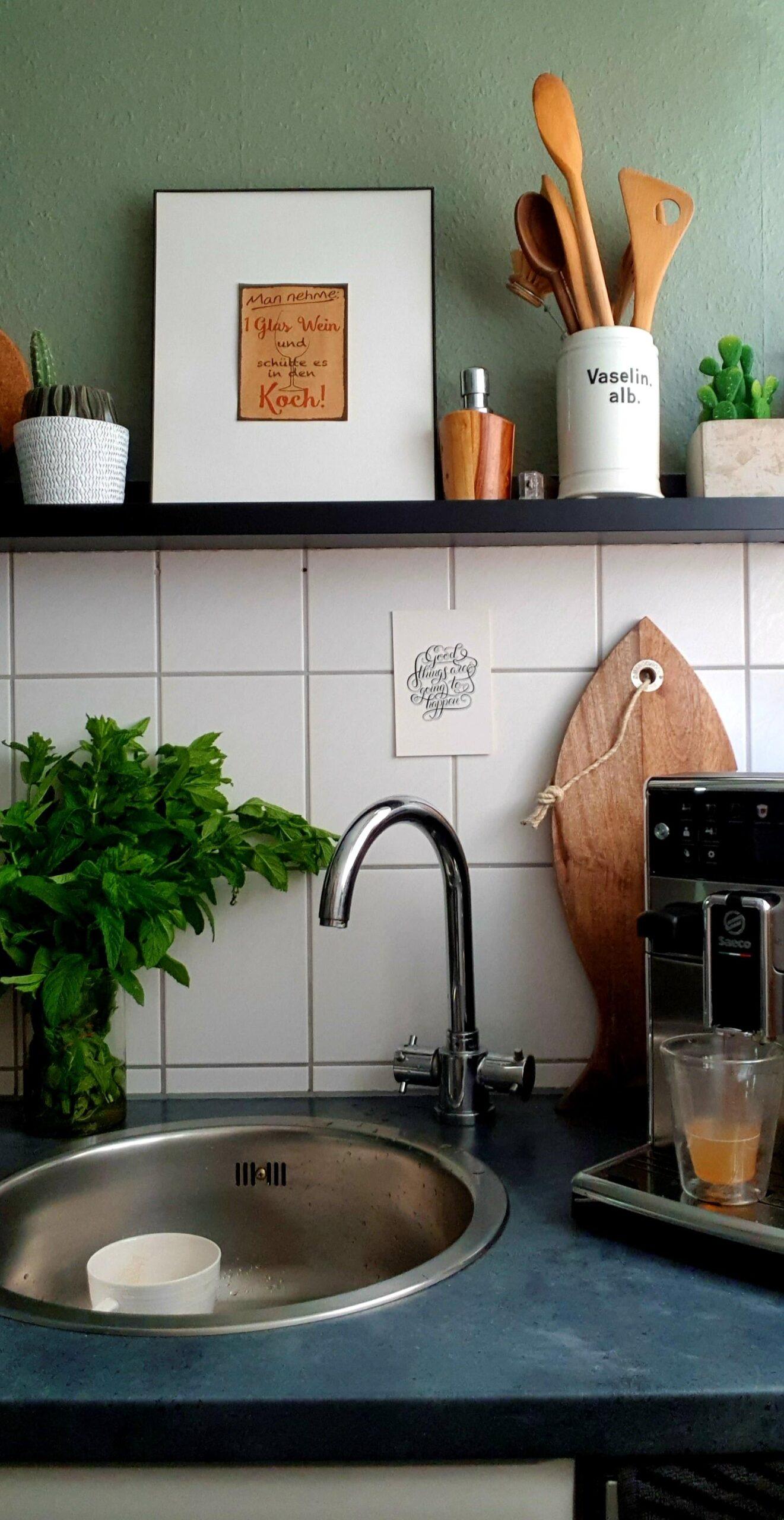 Full Size of Bilderleisten Gestalten Inspiration Fr Dein Konzept Küche Mit Insel Weisse Landhausküche Wandsticker Eckküche Elektrogeräten Schwingtür Schneidemaschine Wohnzimmer Küche Deko Ikea