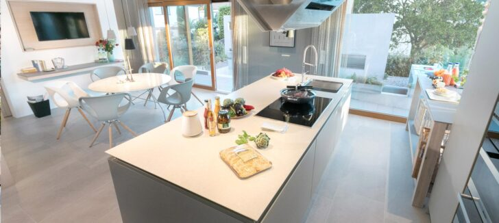 Medium Size of Kücheninsel Freistehend Kchendesigns Mit Kochinseln 2020 Sowie Tipps Schwrerhaus Freistehende Küche Wohnzimmer Kücheninsel Freistehend